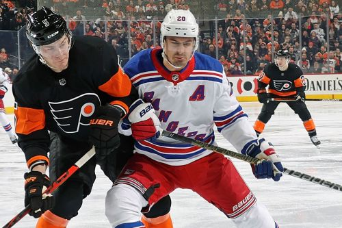 Rangers lose Chris Kreider to broken foot against Flyers