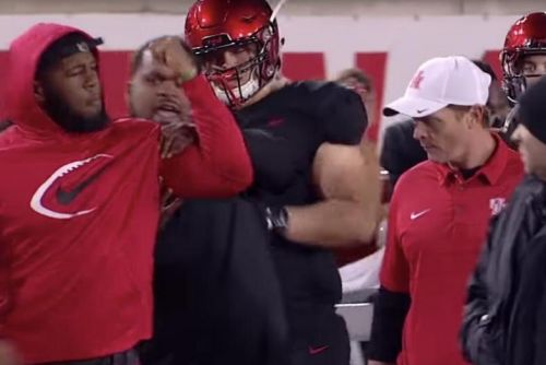 Houston star Ed Oliver gets into sideline squabble with coach