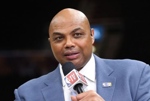 Charles Barkley Won't Let LeBron Free-Agency Talk 'Hijack My Life' 😂