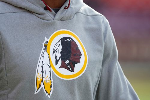 Amazon pulling Washington Redskins gear from stores