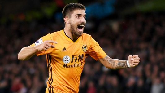 Neves stunner earns Wolves draw with United