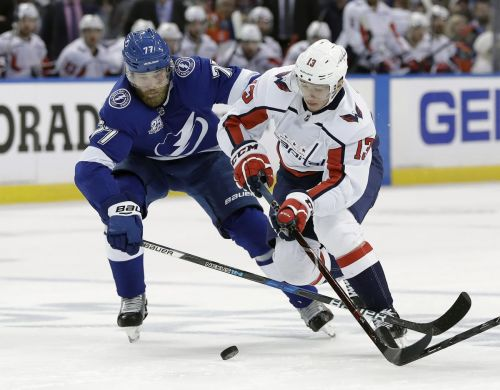 Victor Hedman 'all over the ice' in Lightning's Game 3 win over Capitals