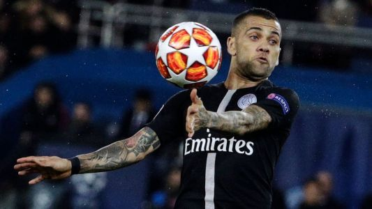 Dani Alves agrees to PSG contract extension - sources