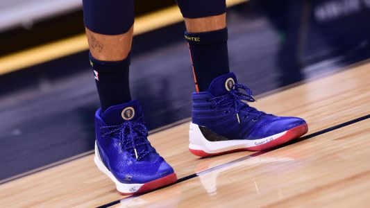 Curry celebrates Biden's inauguration with Obama-themed sneakers