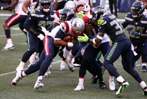 Seahawks stop Cam Newton at goal line for thrilling win over Patriots