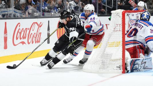 Kings, Penguins shake things up with Hagelin-Pearson trade