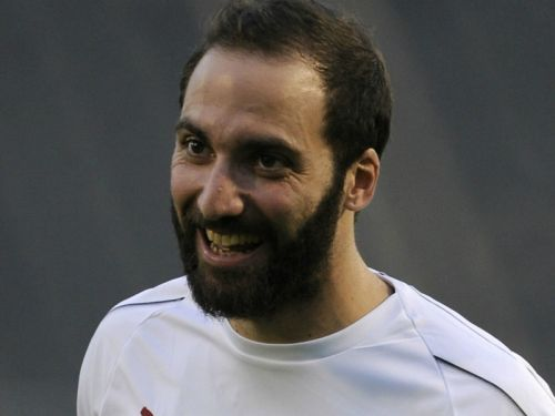 Donnarumma wishes Higuain luck ahead of expected Chelsea switch