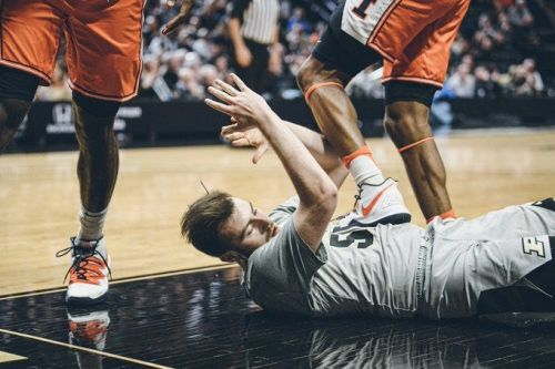 Illinois forward Alan Griffin ejected for stepping on Purdue's Sasha Stefanovic