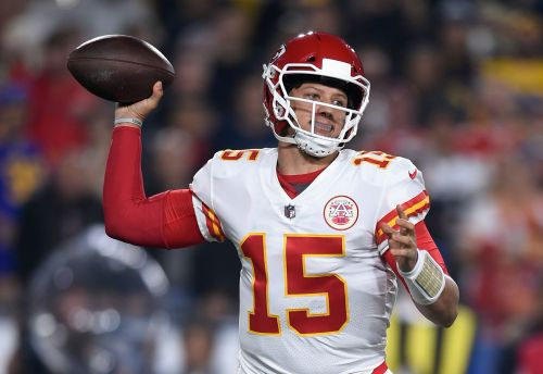 Mahomes 5 turnovers loom large in Chiefs loss to Rams