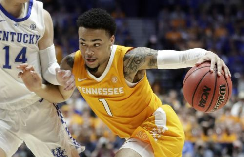 Lamonte' Turner moves Tennessee closer to a No. 1 seed