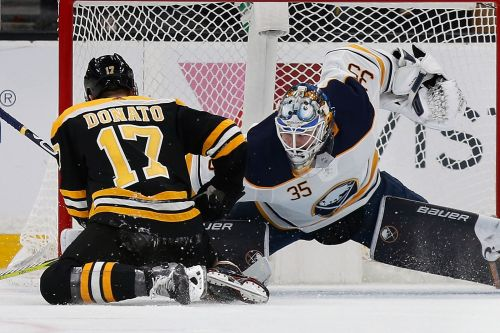 Skinner, Eichel score twice as Sabres top Bruins 4-2