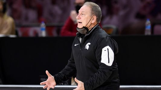 Michigan State's Tom Izzo, Gabe Brown have exchange at halftime of First Four game