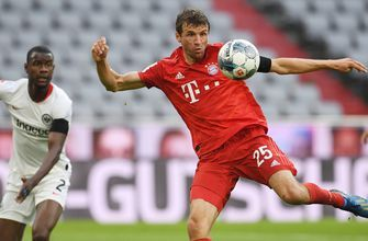 Thomas Müller doubles Bayern Munich's lead over Frankfurt before halftime   FOX SOCCER