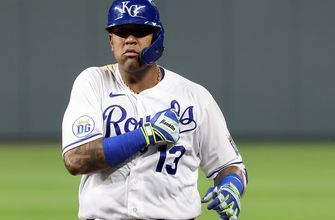 Salvador Perez leads Royals in 8-7 win over Tigers