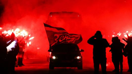 Zenit fans' fiery 'welcome' gives Fenerbahce a taste of their own medicine