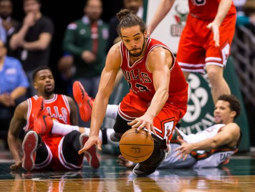 Longtime Chicago Bulls center Joakim Noah to retire, per report