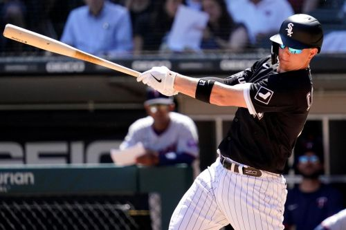 Collins, White Sox complete sweep of Twins with 8-5 win