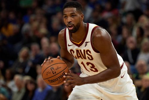 Cavaliers' Thompson fined for inappropriate gesture towards fan