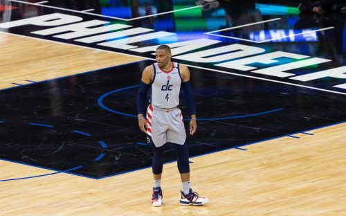 Wizards' Russell Westbrook has popcorn dumped on him by fan while leaving court against Sixers
