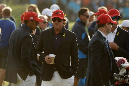Column: The real measure of Tiger vs. Phil is how many watch