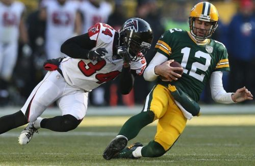 Hit on Aaron Rodgers was not fined, skirmish afterward was