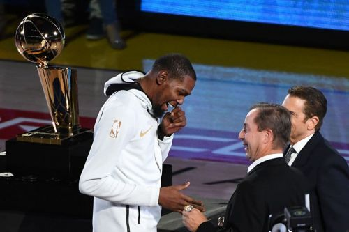 Owner: Warriors Not Picking Sides in Kevin Durant-Draymond Green Feud