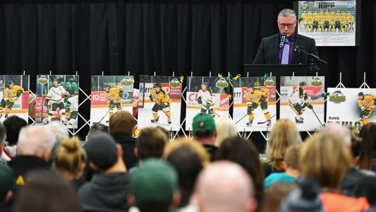 NHL playoffs 2018: Golden Knights surprise family of Humboldt Broncos' head coach
