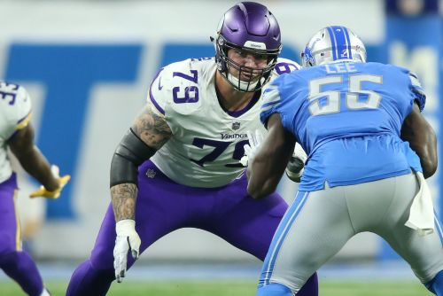 Jets sign Tom Compton to help fill out offensive line