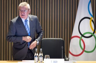 Bach says IOC must abide by any Russian doping sanctions