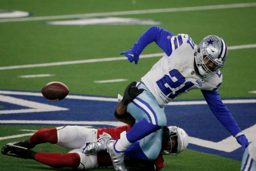 Ezekiel Elliott benched in loss to the Cardinals