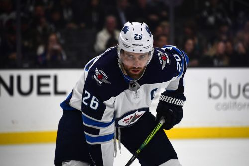 Winnipeg Jets captain Blake Wheeler curses at reporter when asked about elimination