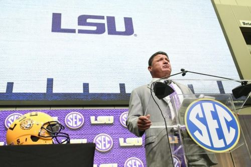 'Wrong coach,' big questions about Joe Burrow, more: National media weigh in on LSU