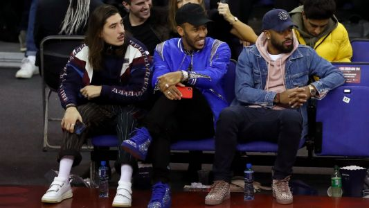 Premier League stars enjoy NBA London match as Bellerin's outfit catches the eye