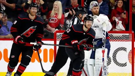 Jets, Hurricanes set franchise records with speedy opening goals