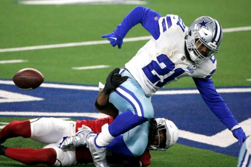 Ezekiel Elliott takes blame after multiple fumbles in loss: 'I have to be better'
