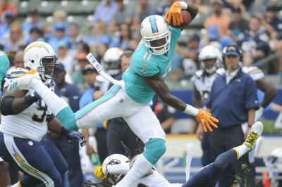 Miami Dolphins WR DeVante Parker suffers broken finger
