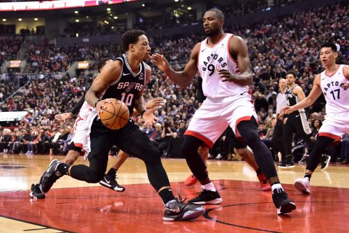 Leonard scores 25 points, Raptors beat DeRozan, Spurs
