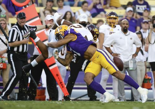 LSU top CB Stingley out indefinitely after foot procedure