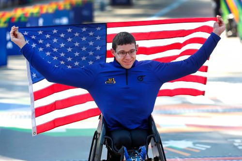 Daniel Romanchuk, 21-year-old with 6-10 wingspan, wins back-to-back NYC Marathon wheelchair races