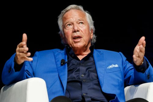 Robert Kraft fighting to keep alleged spa tapes from leaking to public