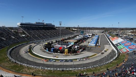 Martinsville race offers NASCAR fewer package questions, more great racing