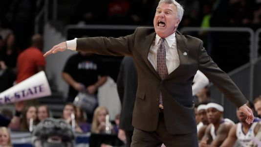 How will Bruce Weber use Kansas State's final open scholarship this recruiting cycle?