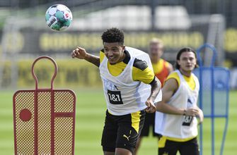 Dortmund says Jadon Sancho staying amid Man United links