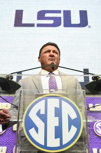Ed Orgeron tries to make LSU fans forget about missing on Jimbo Fisher