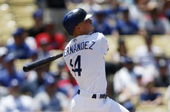 Hernandez hits Dodgers' 129th homer in 5-3 win over Angels