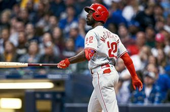 McCutchen leads game off with 8th homer of the year in win over Brewers