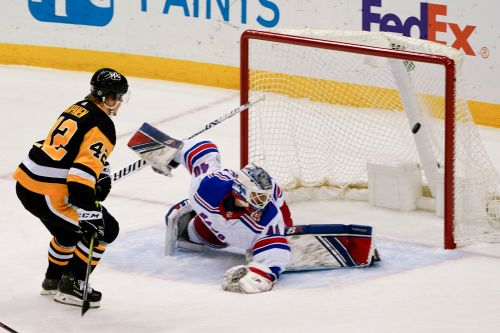 Rangers pummeled by Penguins in Alexandar Georgiev nightmare