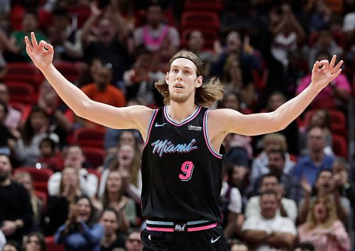 Heat hang on late, top Grizzlies 112-108