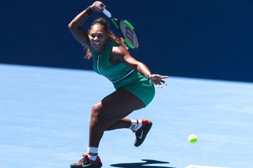Serena Williams continues to make it look easy