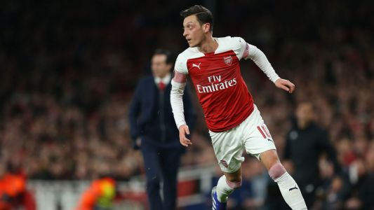 Arsenal's Ozil hits unprecedented heights on Mt. Everest